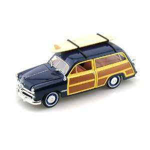 1949 Ford Woody Station Wagon w/Surf Board 1/32 Blue Toys & Games