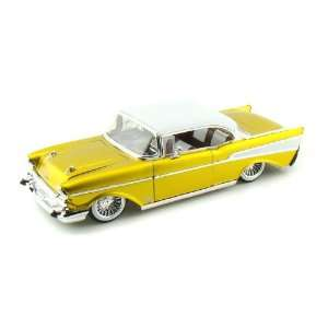 1957 Chevy Bel Air Collectors Club L/E 1/24 Gold w/White