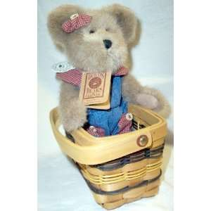 Boyds Bears & Friends Maggie D. Berriweather in a Basket