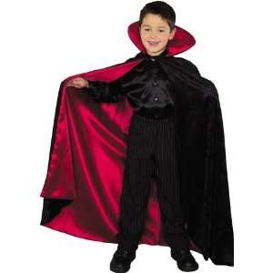 Childrens Black and Red Lined Vampire Cape Toys & Games