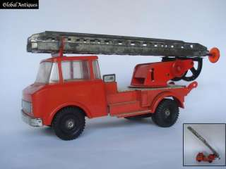 VINTAGE TIN TOY FIRE TRUCK w/MECHANIZED LADDER   SCARCE