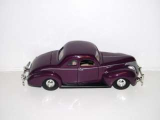 Motormax 1940 Ford Deluxe Coupe diecast car 124 G scale 8 length